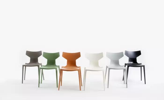 Cadeiras feitas com material sustentável